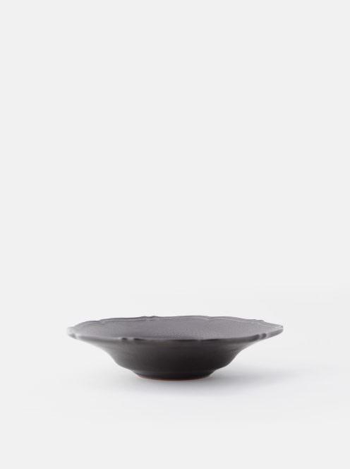 awabi ware / 輪花中深皿(黒マット)