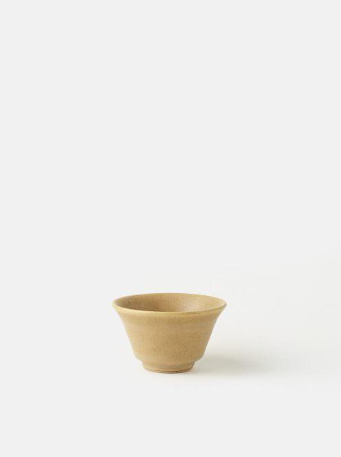 awabi ware / ぐい呑み(ベージュ)