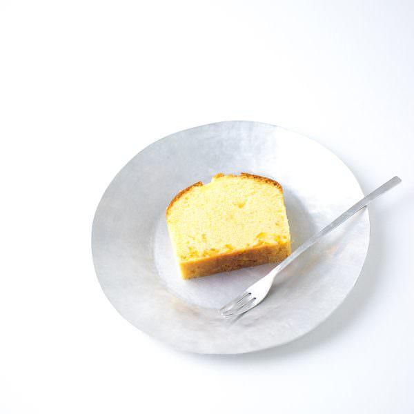 um / アルミの焼き菓子皿・アルミフォーク