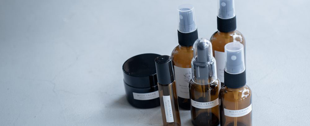 香と装身具 – MILIS CRANN展示アイテムのご紹介