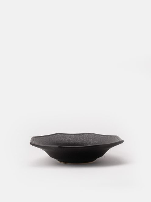 awabi ware / 八角中深皿(黒マット)