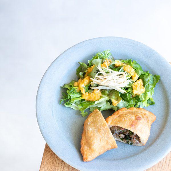 【新メニュー】ピロシキとサラダと季節のスープのセット