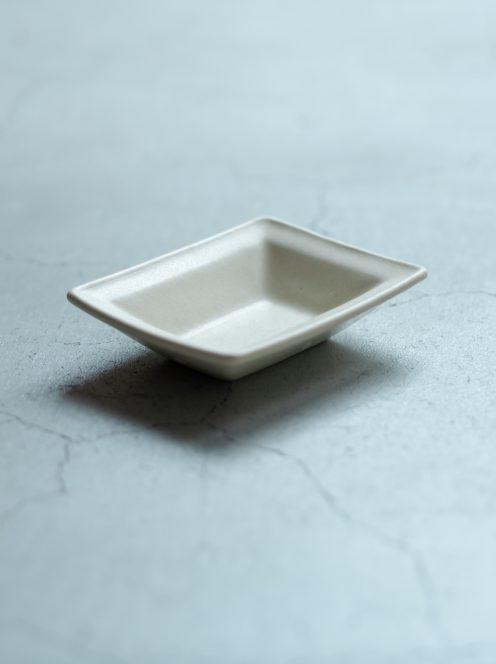 awabi ware / 長方豆皿(アイボリー)